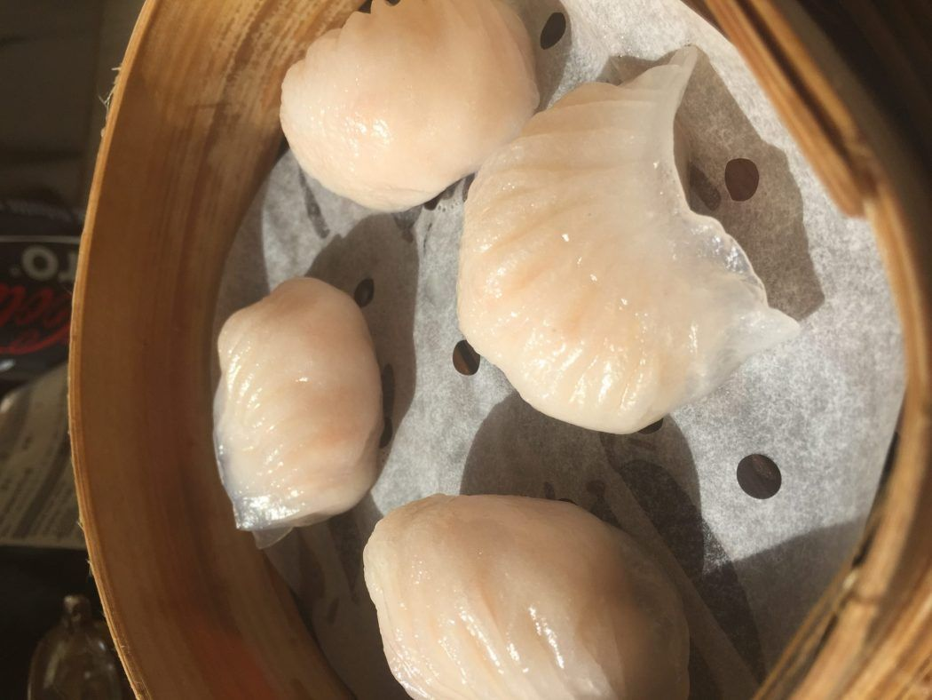 hong kong prawn dim sum at tim ho wan