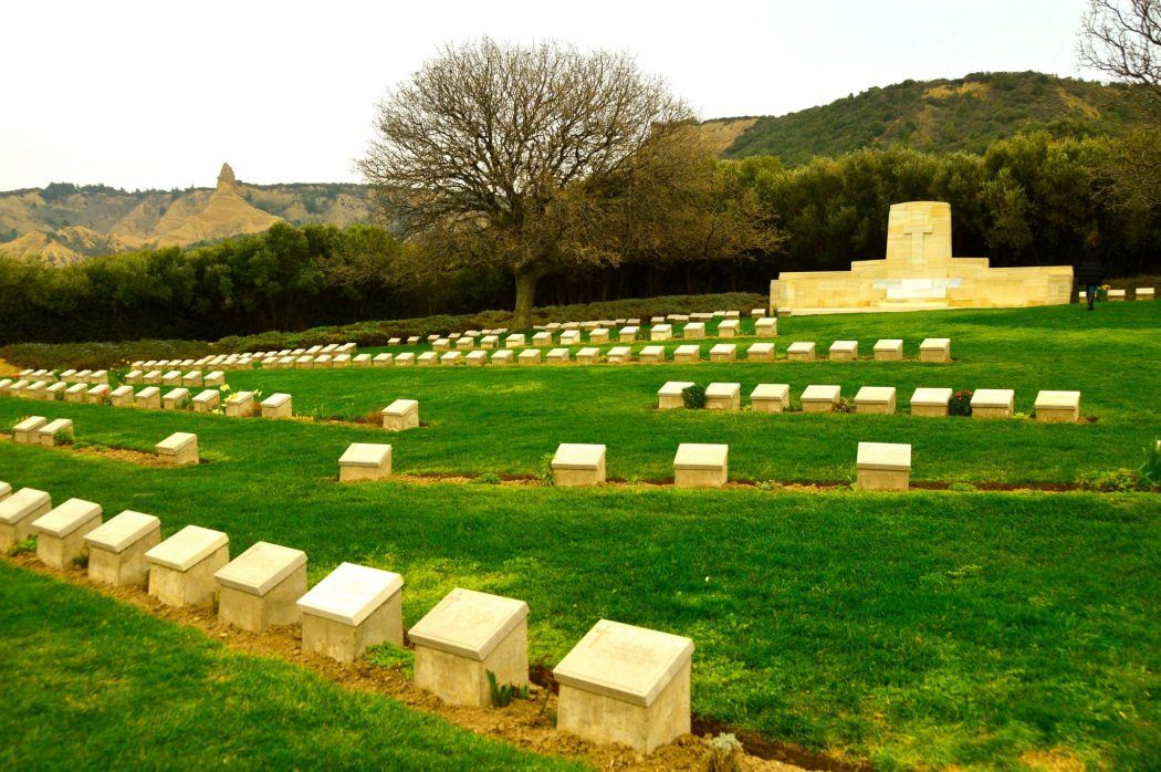 graves on the gallipoli peninsula