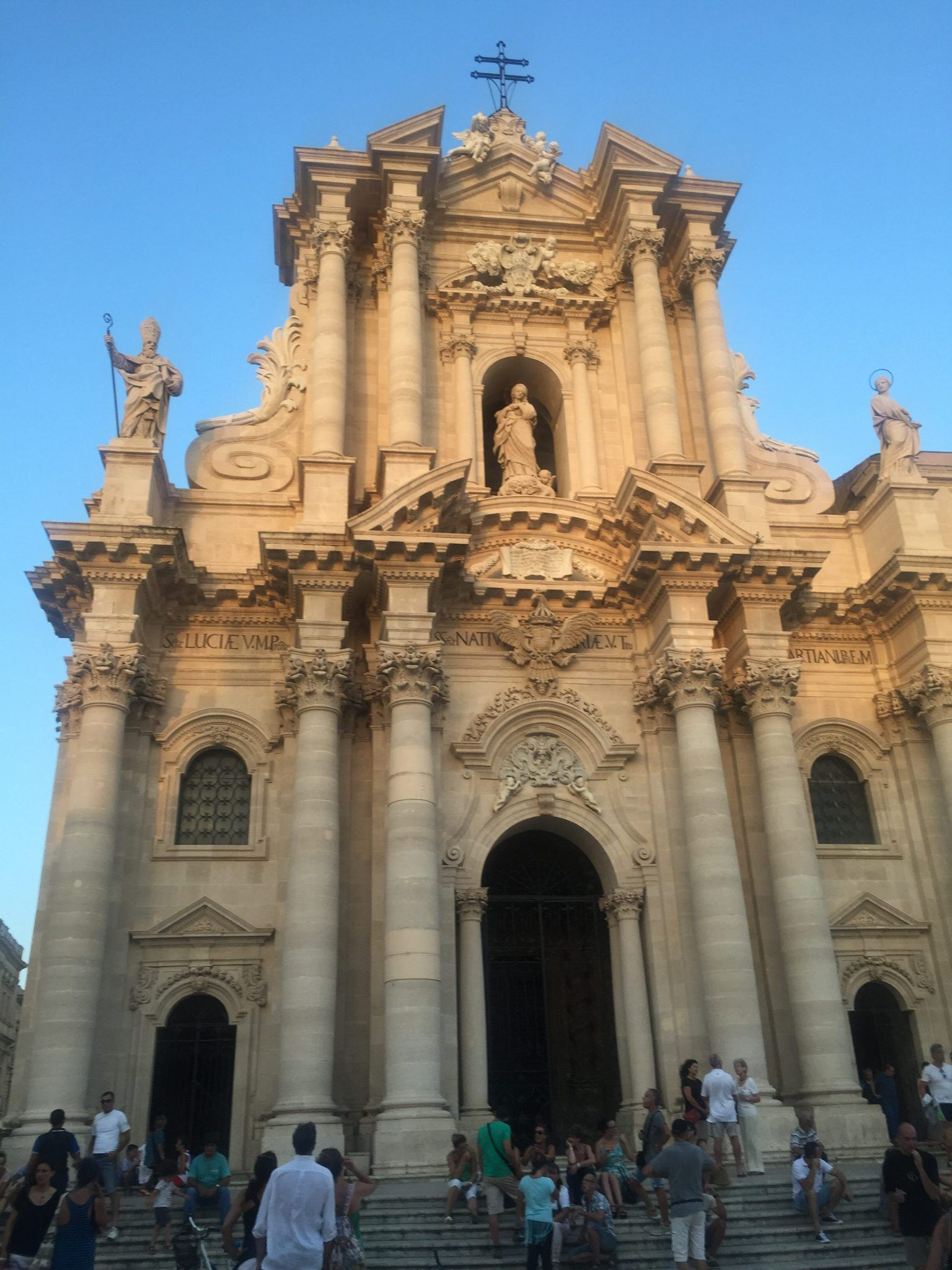 church in the main square of ortygia syracuse sicily where to stay in sicily