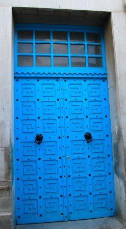 I do love a blue door!