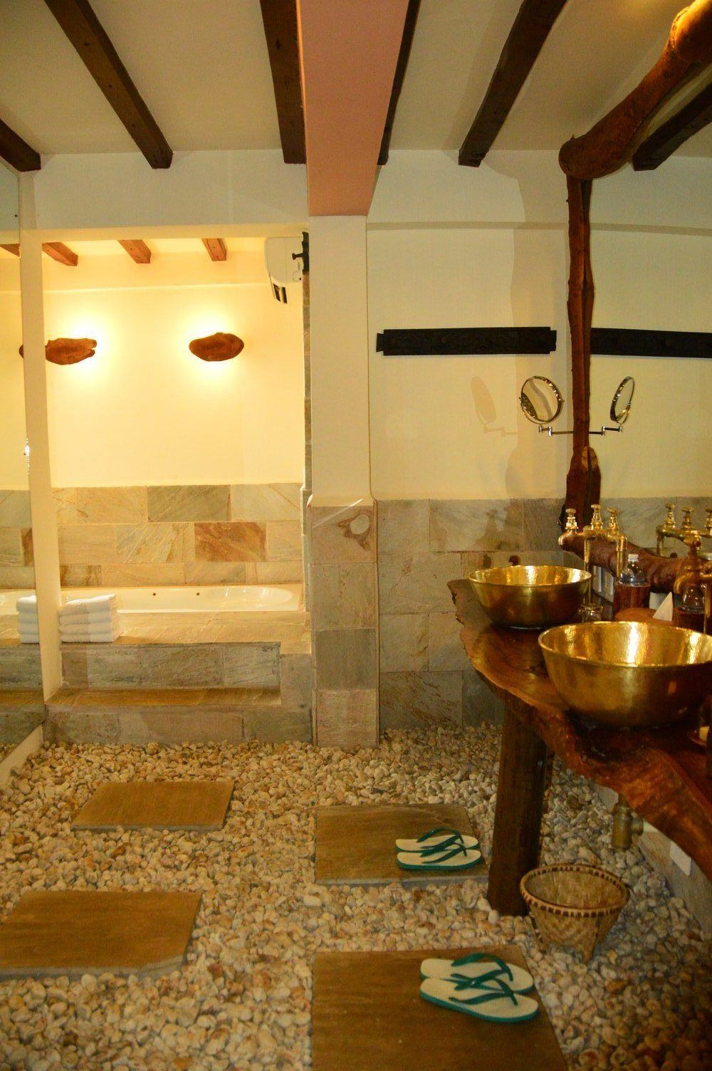 bathroom at dwarika's resort dhulikhel