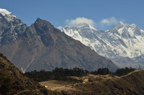 mount everest and other mountains in the himalayas seen on day 3 of everest base camp trek