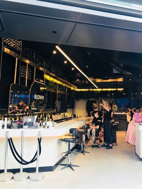 Bar and hairdressers Blown at barangaroo