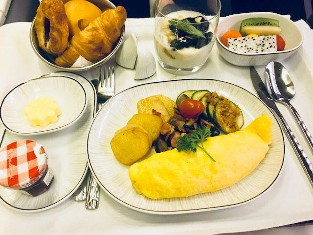 breakfast thai airways business class review