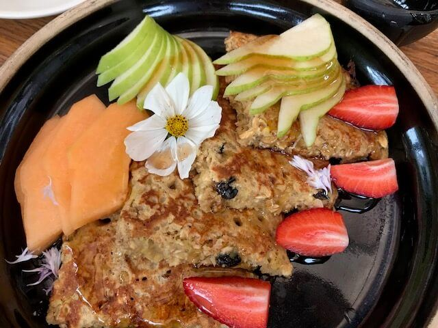 wholemeal pancake with apple, melon and strawberries at Botanika