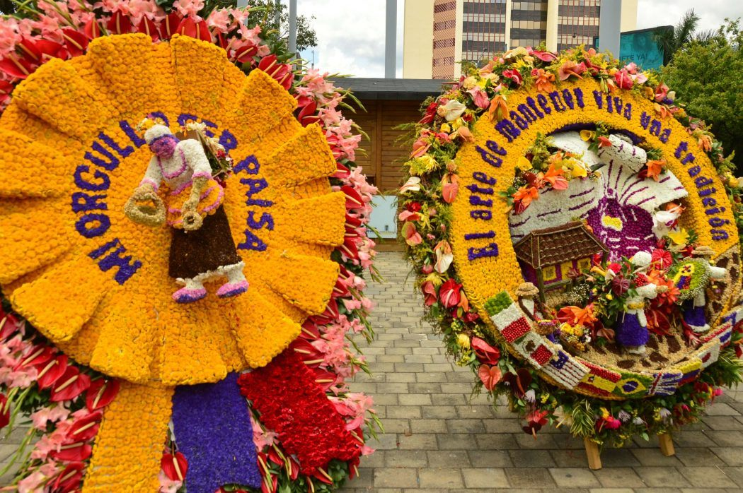 floral display plaza mayor medellin