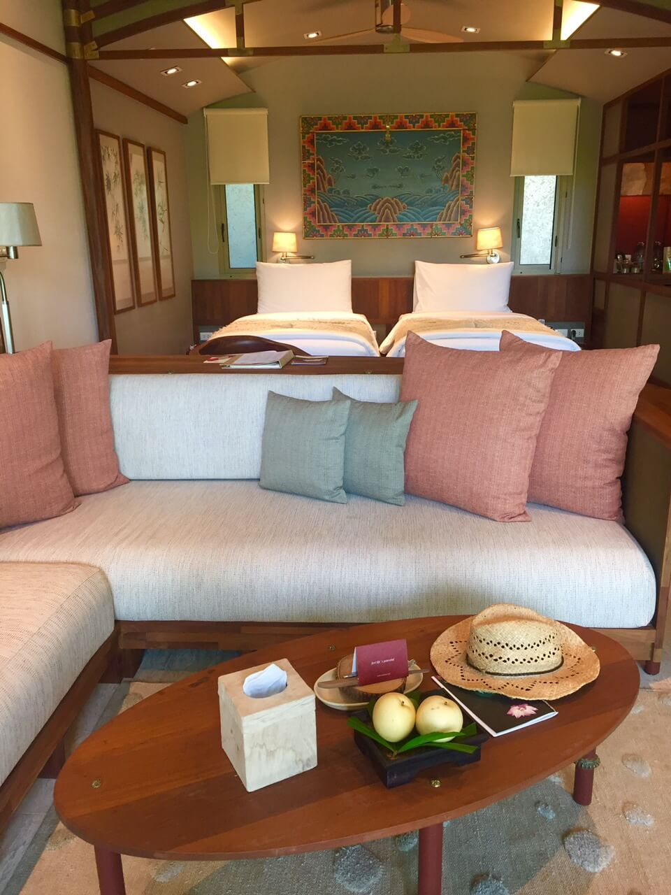 lounge and twin beds in the suite