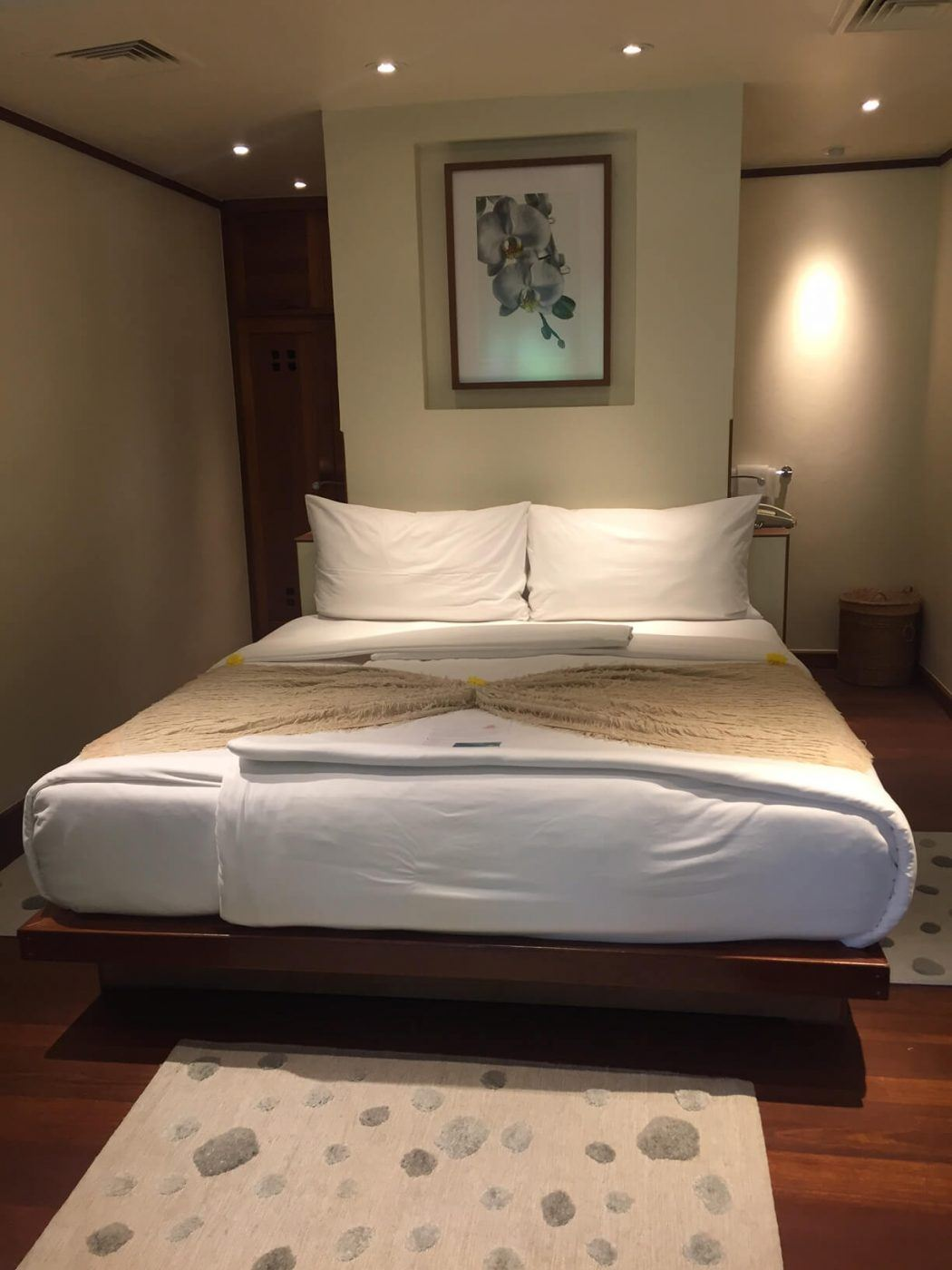Queen bed in a hillside room Kamalaya Wellness Sanctuary