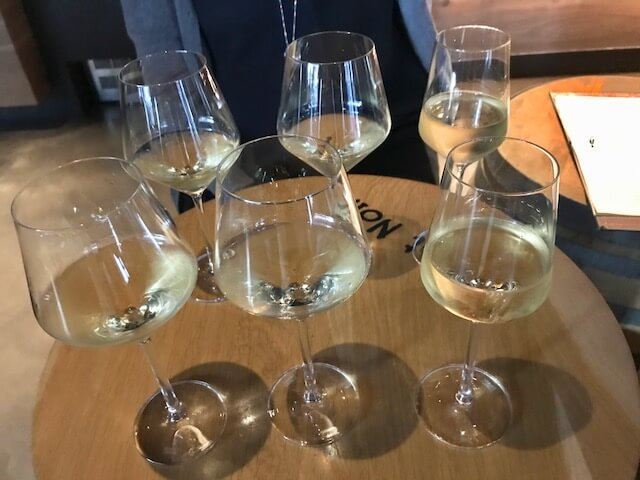 eno wine bar white wine flight 6 glasses