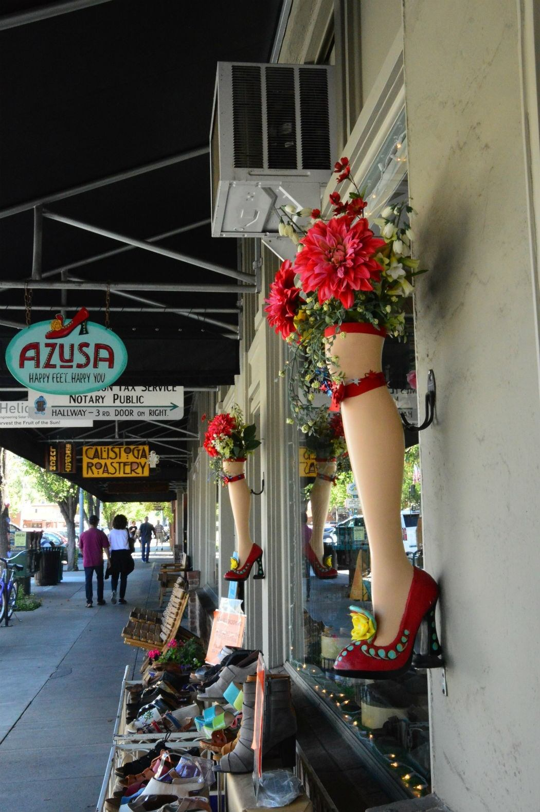 Shops on main street of Calistoga