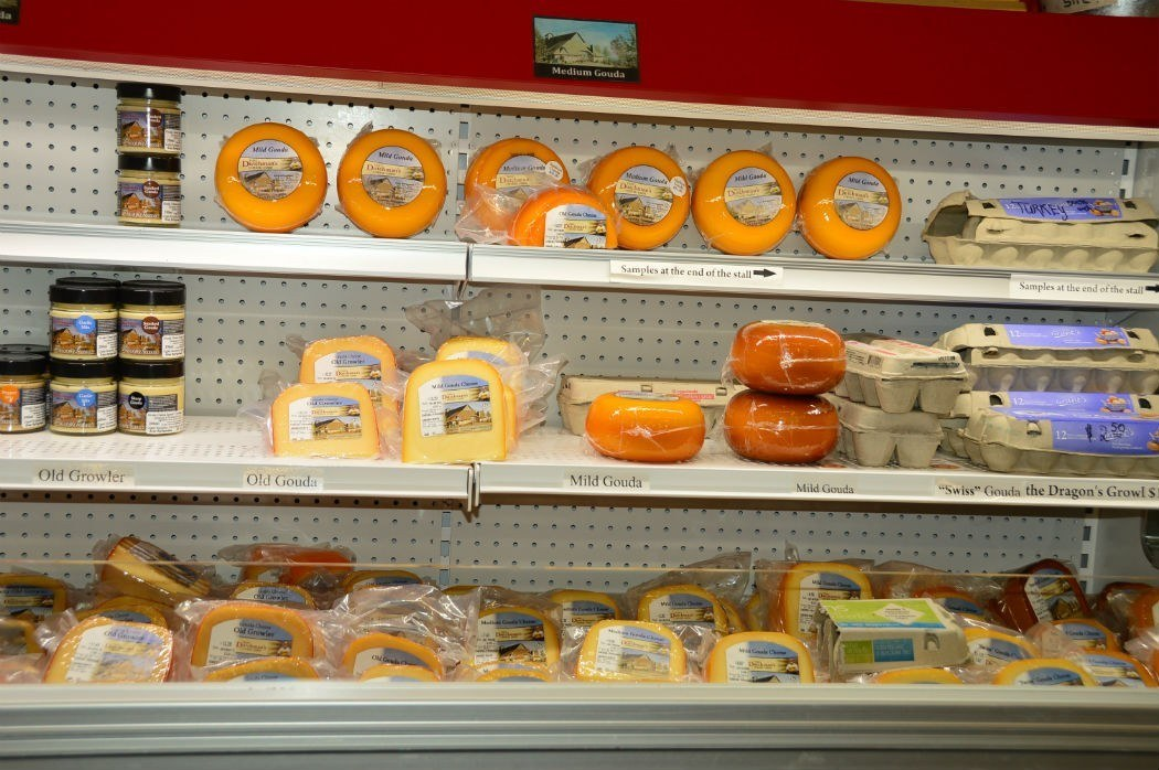 that dutchman's cheese display