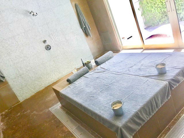 spa lounges inside a room for the mud treatment at solage