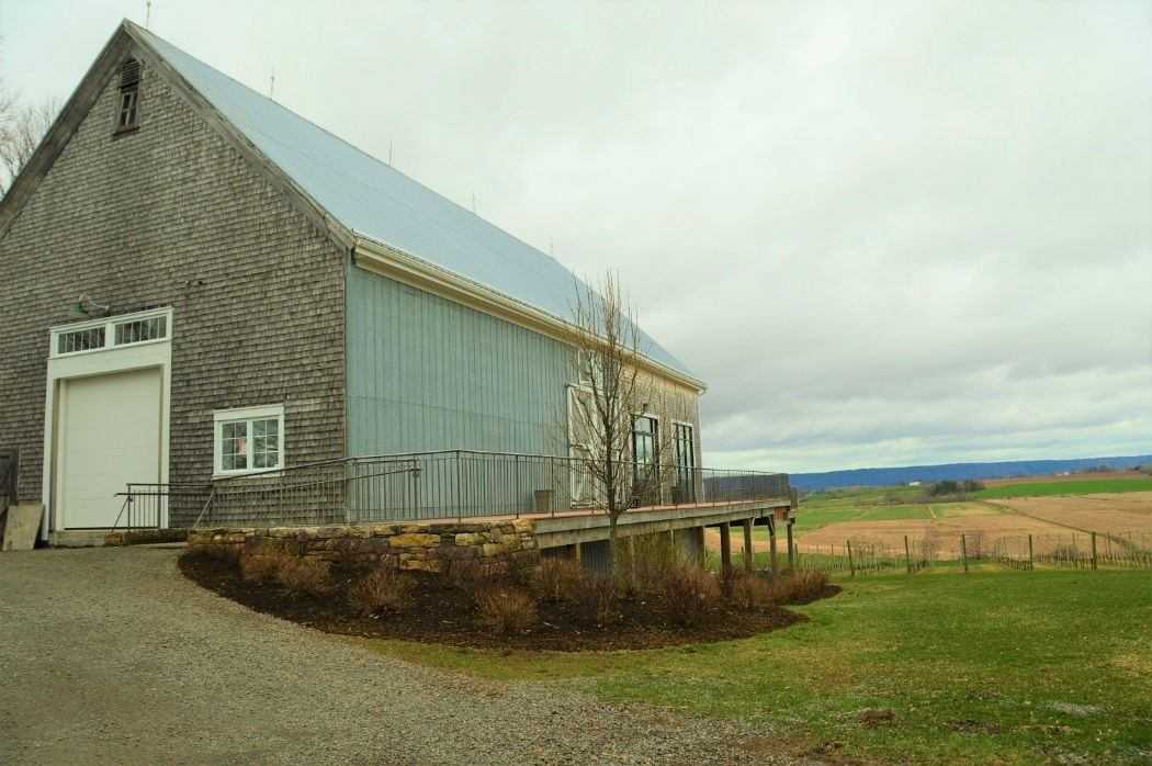 Planter's Ridge Winery exterior