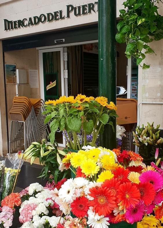 flowers at the entrance to Mercado del Puerto Las Palmas