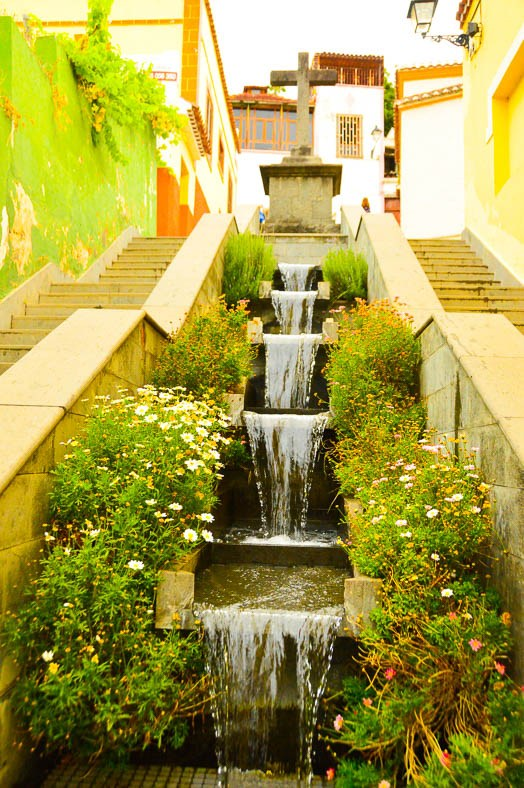 fountains between the steps of a street in Teror