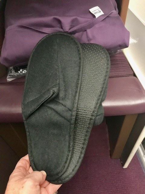 business class to bangkok thai airways slippers