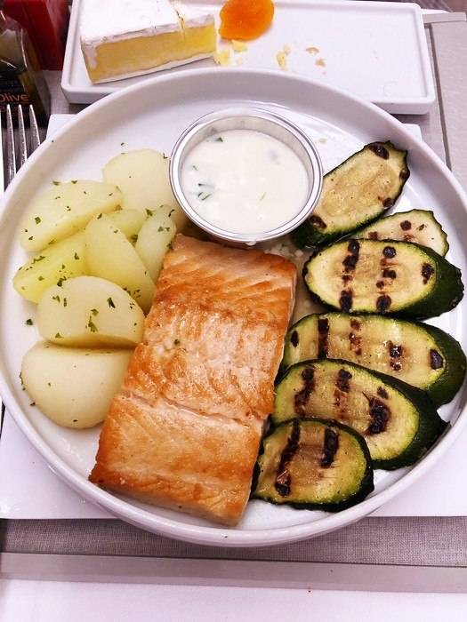 air france business class food salmon with zucchini and potatoes