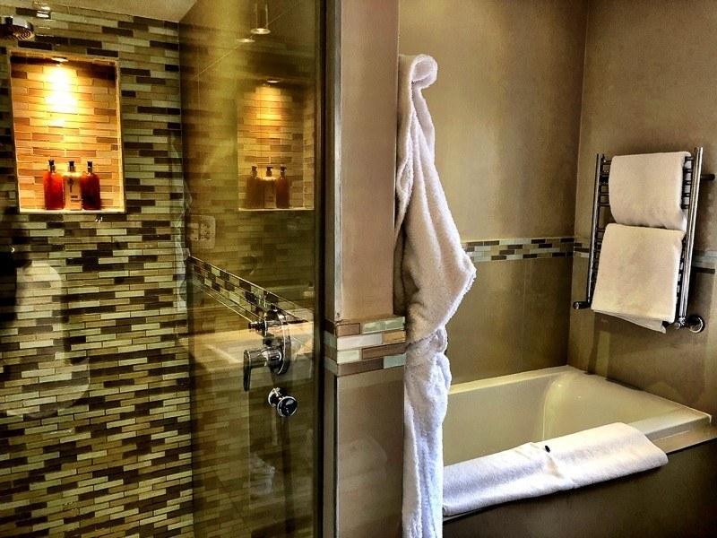 wedgeview bathroom