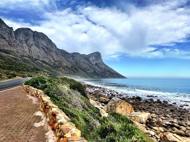 driving down the cape whale route to get to whale watching hermanus