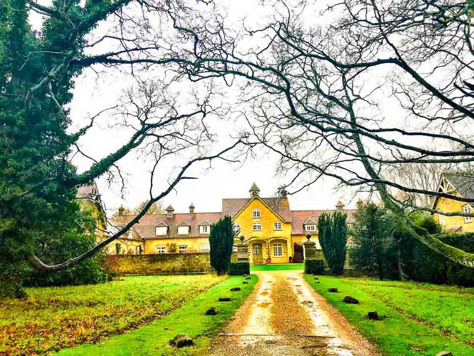 Entrance to Bruern Cottages