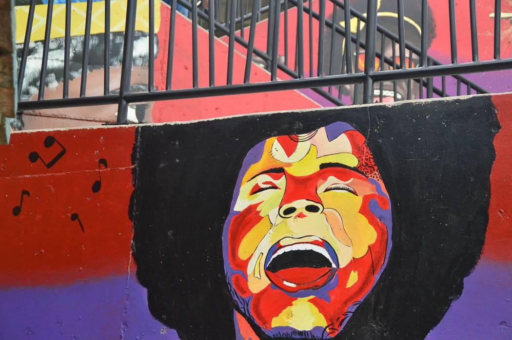 street art mural communa 13 medellin