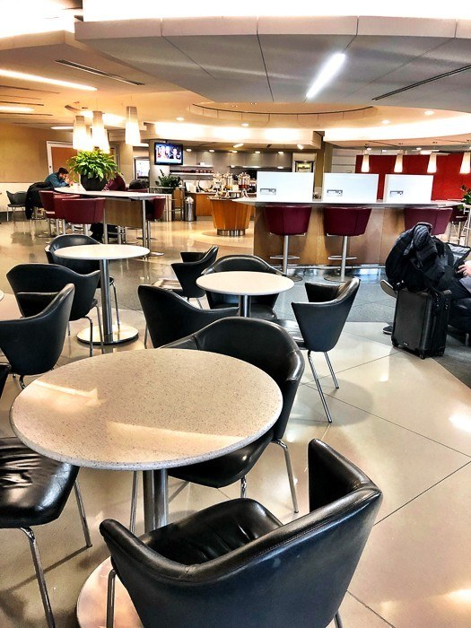 american-airlines-lounge at heathrow airport
