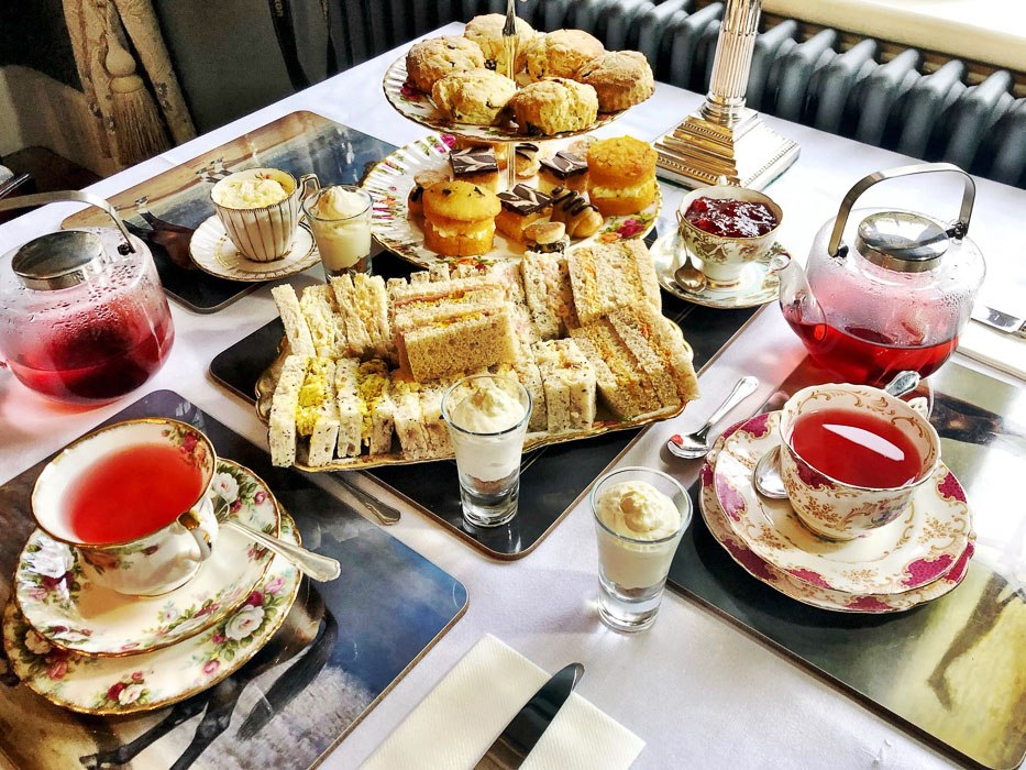 gellihaf-house-afternoon-tea