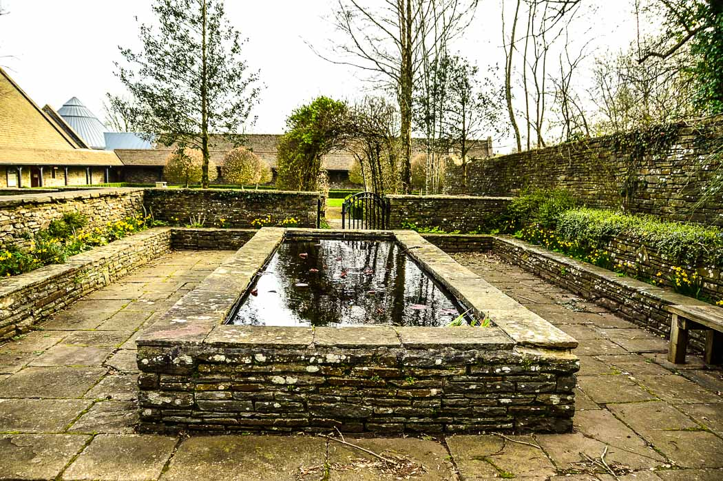 llancaiach-fawr-manor-outdoor-pond