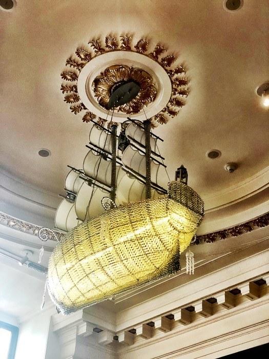 kimpton-monaco-philadelphia-ship-chandelier