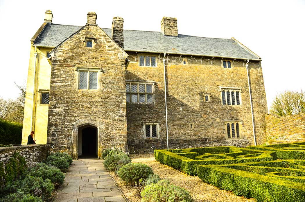 llancaiach-fawr-manor-exterior