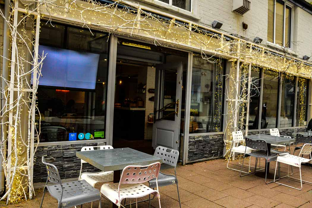 activities to do in cardiff - Big Moose coffe shop outdoor seating