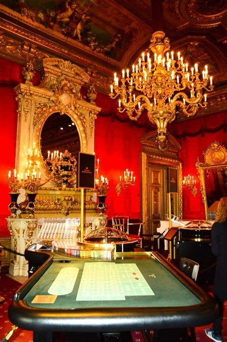 roulette table at the Baden Baden casino and chandelier