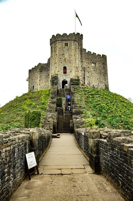 Cardiff attractions - the stairs leading up to cardiff castle