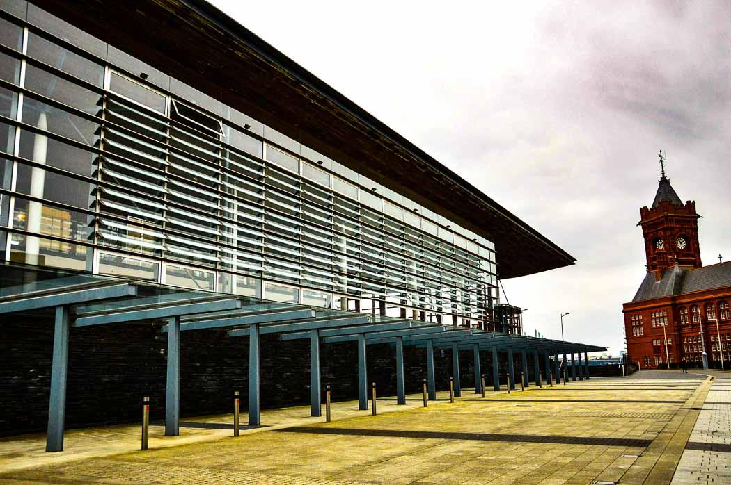 fun things to do in cardiff for couples visit the Senedd building