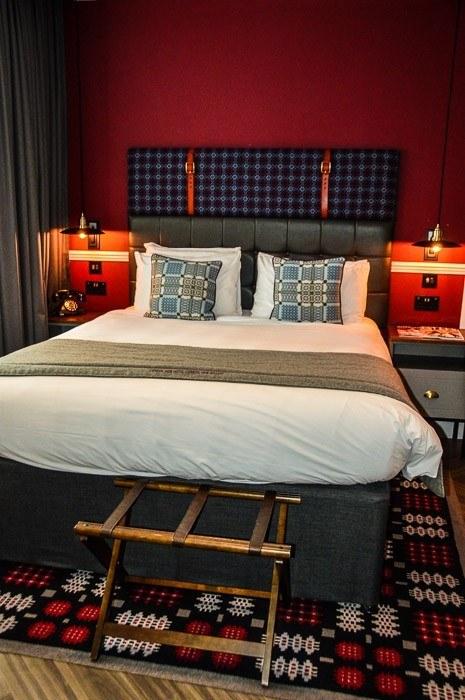 hotel-indigo-cardiff-bedroom
