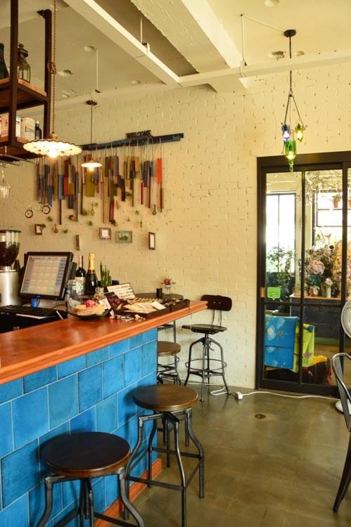Cafe-Mayb interior jeju island
