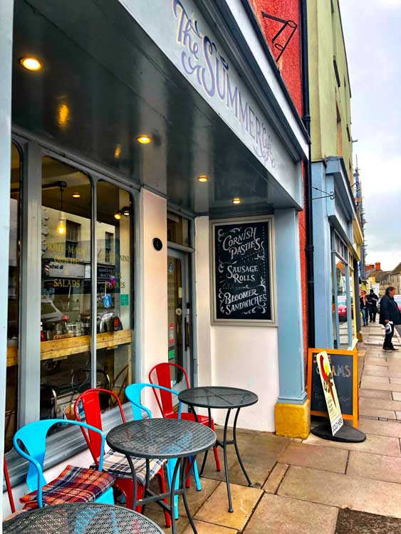 england_cotswolds_malmesbury-cafe