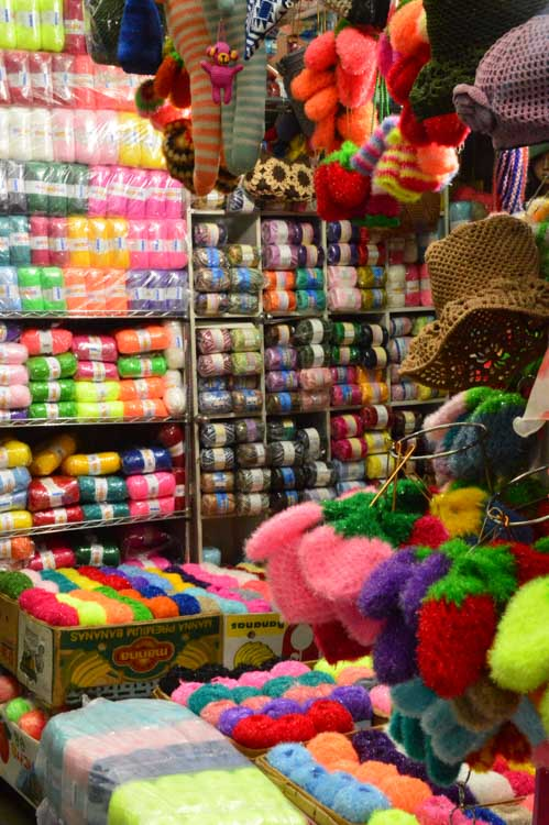 korea_daegu_seomun-market_colourful-yarn