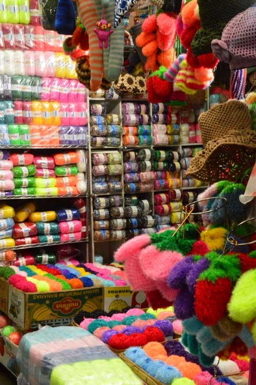 korea_daegu_seomun-market_colourful-yarn