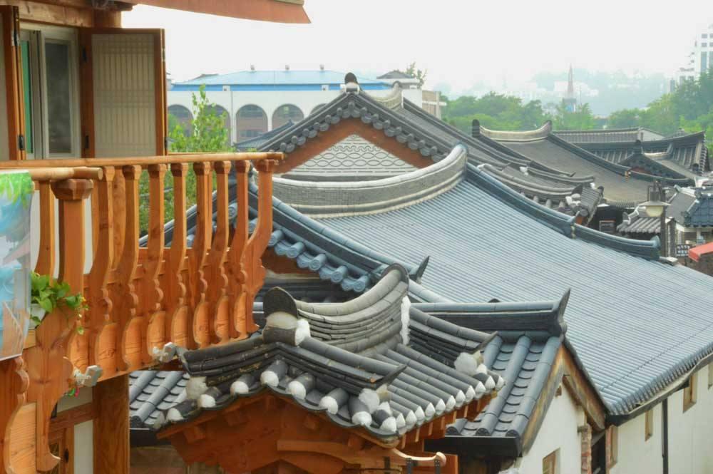 korea_jeonju_hanok-roofs
