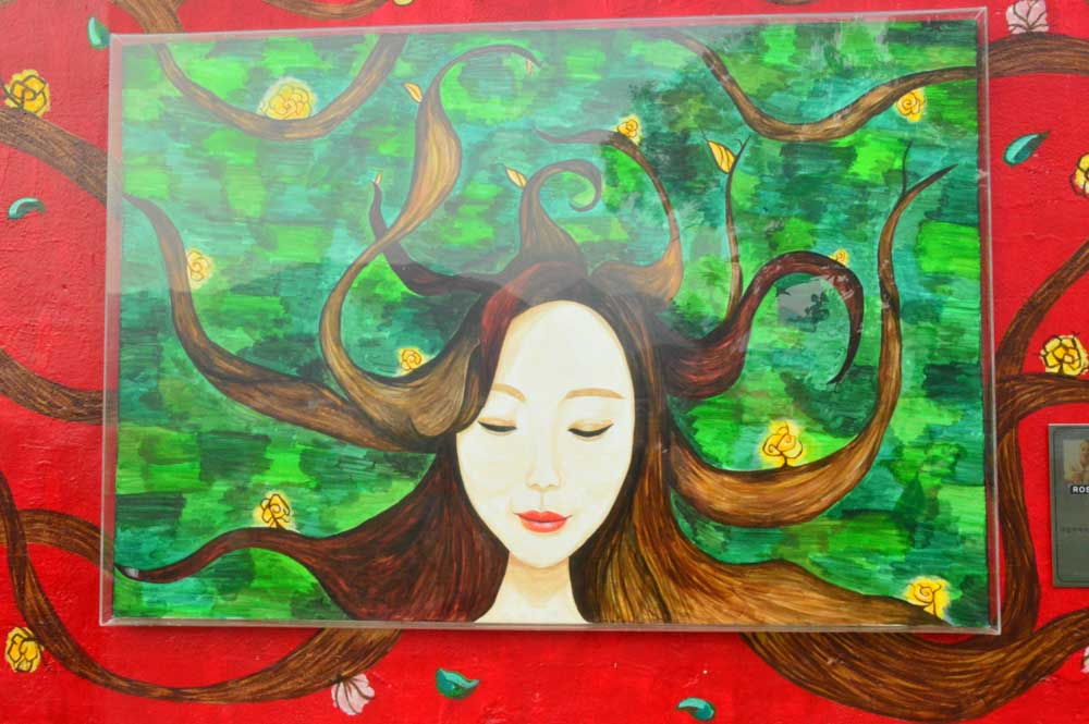 korea_jeonju_jamon-mural-village-woman-mural