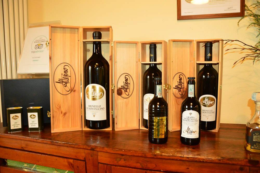 Italy_Montepulciano_altesino-bottles