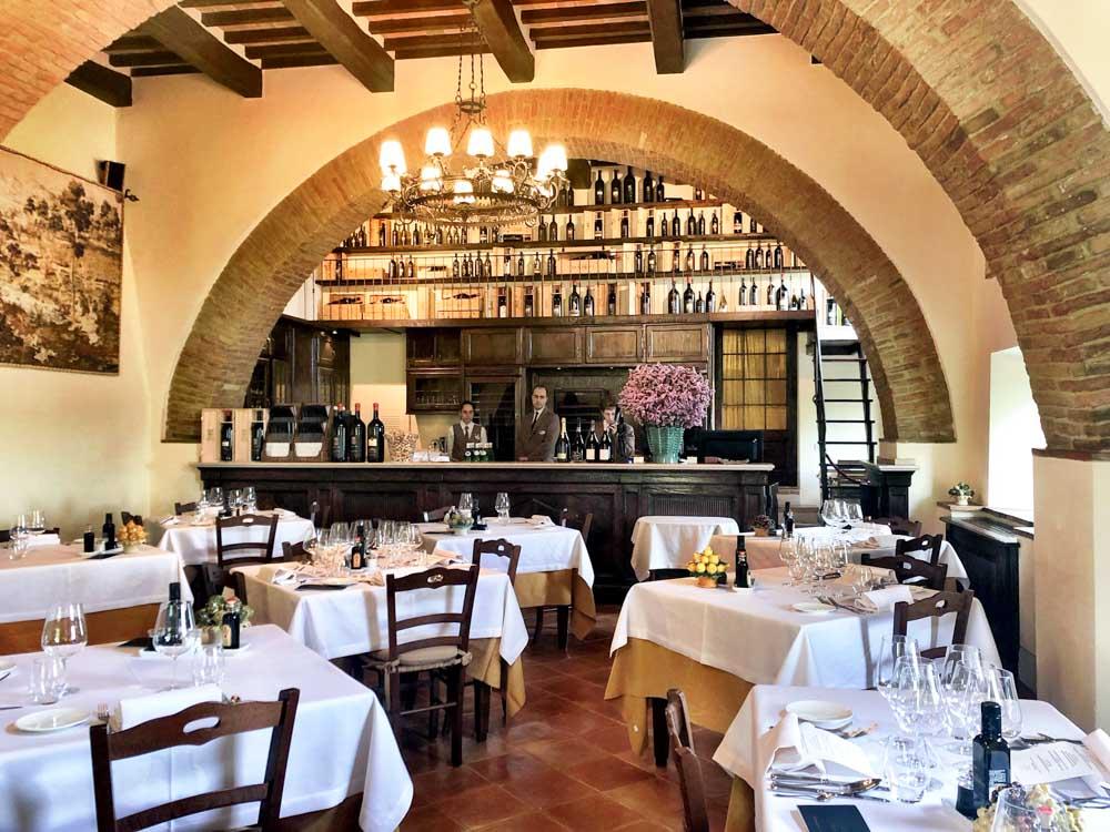 Italy_Montepulciano_banfi-taverna