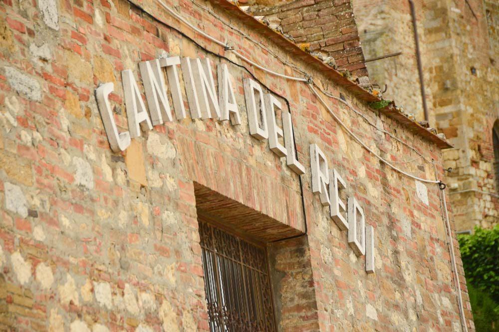 Italy_Montepulciano_cantina-del-redi