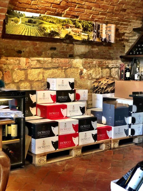 Italy_Montepulciano_de-ricci-wine-boxes