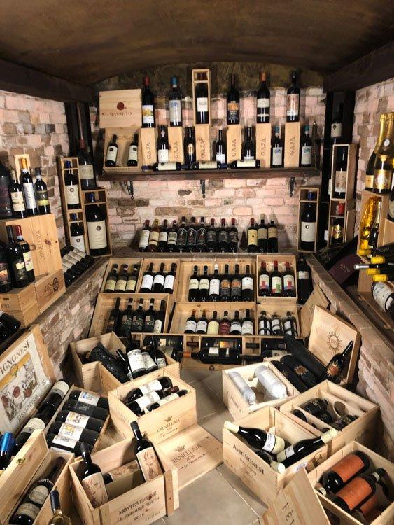 Italy_Montepulciano_la-dolce-vita-wine-crates
