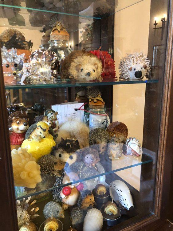 Italy_Montepulciano_meuble-ricci-hedgehogs