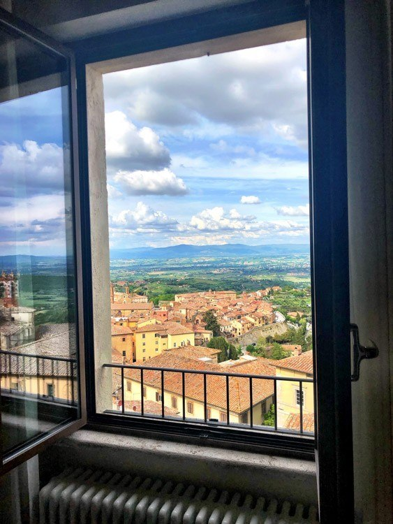 Italy_Montepulciano_meuble-ricci-view