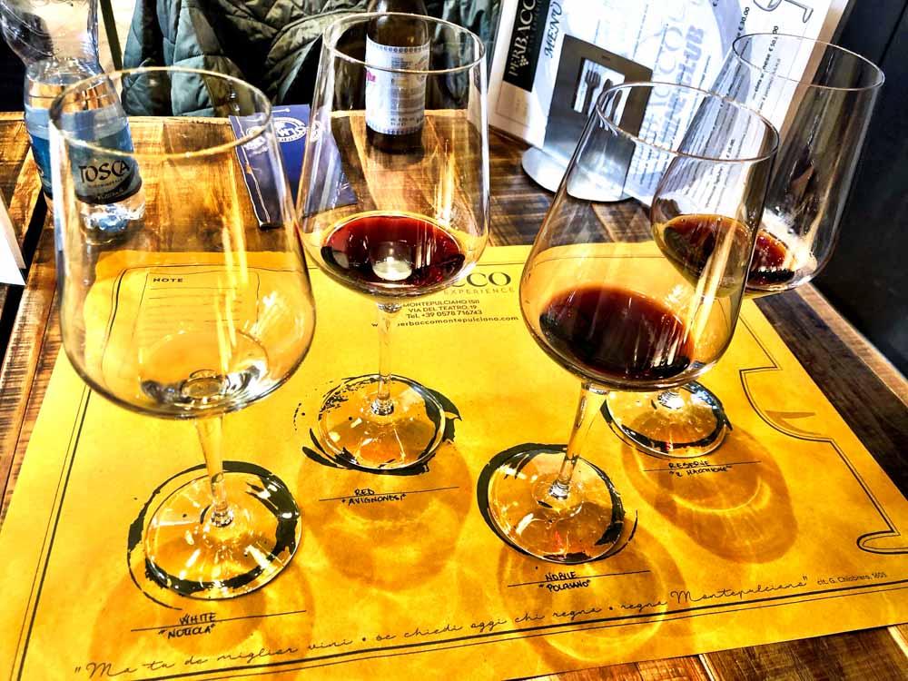 Italy_Montepulciano_per-bacco-wine-tasting