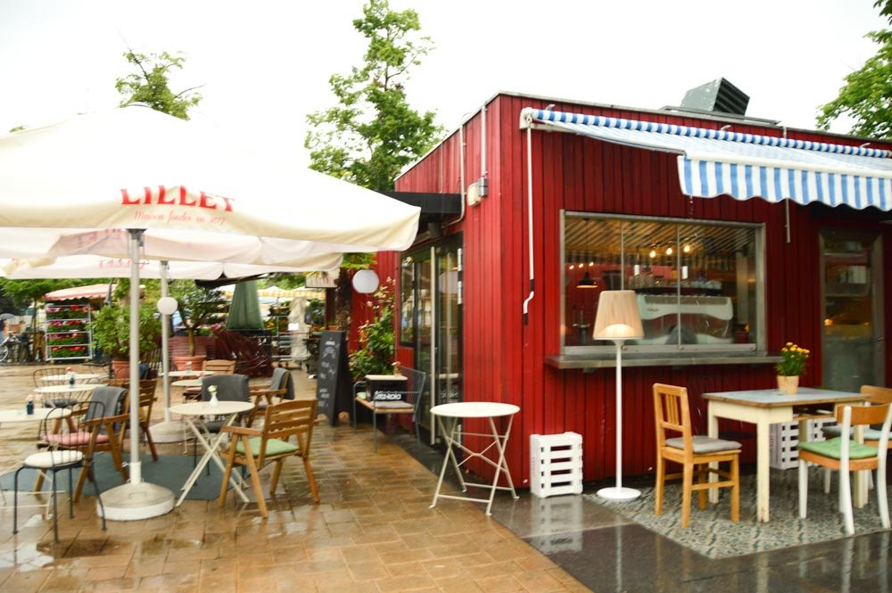austria_graz-farmers-market-cafe